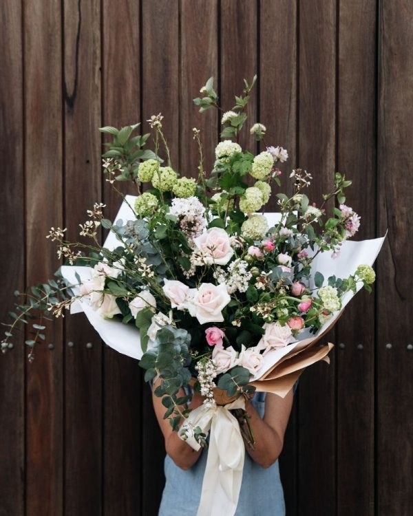 Romantic bouquet of flowers delivered in southern highlands